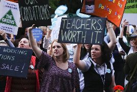 776449-teachers-union-protest