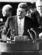 john-kennedy-ask-not-what-your-country-can-do-for-you-inaugural-speech-1961